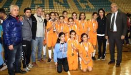 Nuri Zekiye Has Ortaokulu Adana şampiyonu