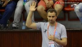 """""""Kendini bilmez birkaç seyirci yüzünden maç kesildi"""""""