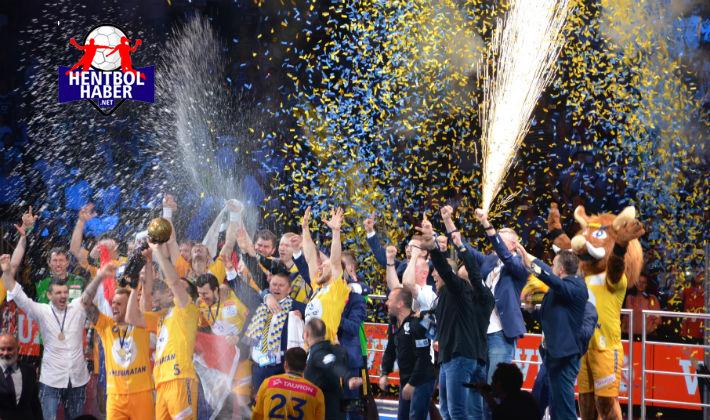 Velux EHF Şampiyonlar Ligi şampiyonu kupasına kavuştu