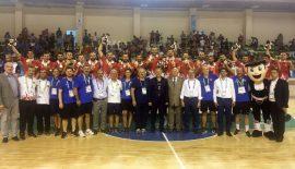 Selka Eskişehir Hentbol'den muhteşem kutlama