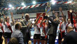 Şampiyonun kutlaması böyle olur
