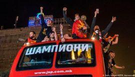 Vardar'ı yüz binlerce taraftarı Üsküp'te karşıladı