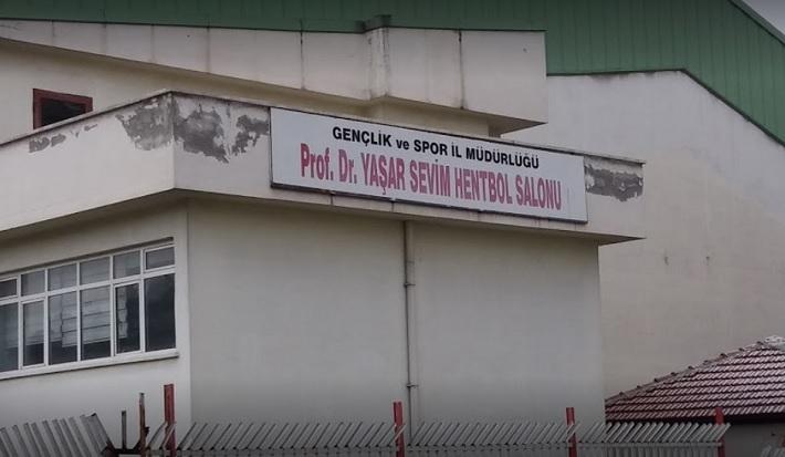 Prof. Dr. Yaşar Sevim Spor Salonu yıkılıyor mu?