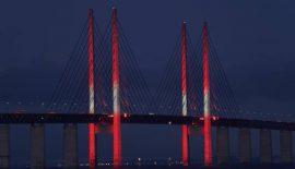 Köprünün rengi Kırmızı-Beyaz