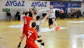 Beşiktaş Aygaz, Antalyaspor karşısında galibiyeti almayı bildi