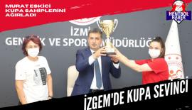 Murat Eskici'ye kupayı hediye ettiler