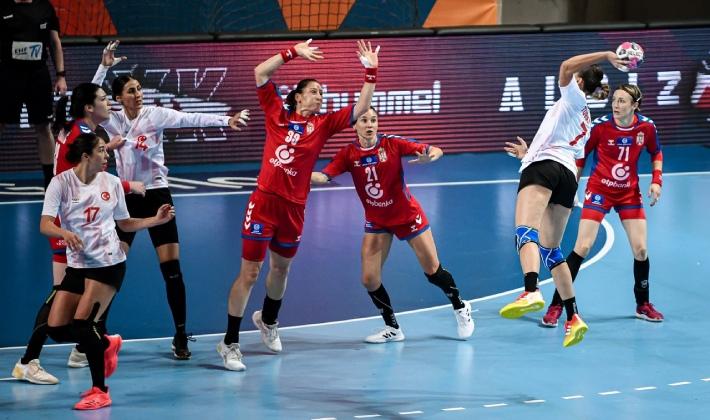 Sırbistan, Türkiye'ye gol atma dersi verdi!