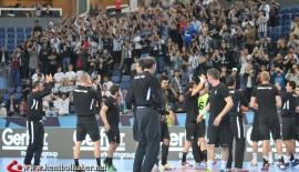 Beşiktaş taraftarları şampiyonlar liginde yalnız bırakıyor