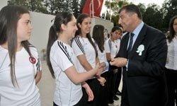 İzmir'li Kızlar Altın'ı Kaptı