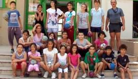Burhaniye'de Hentbolcular Belgelerini Aldı
